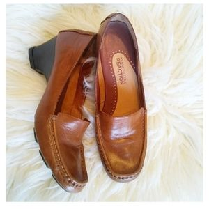 Kenneth Cole Reaction Brown Heeled Loafers B7